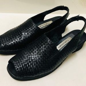 Andre Assous Featherweights Black Sling Back